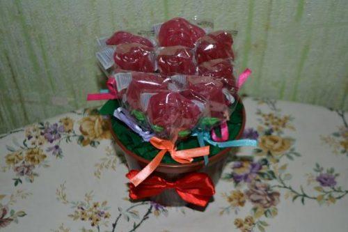 Горшок из сладостей