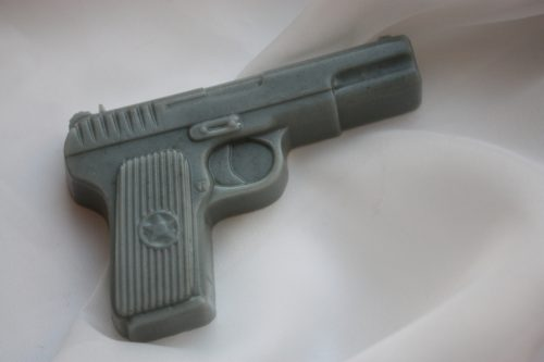 Мыло в виде пистолета