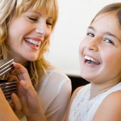 Что подарить дочке на 8 Марта