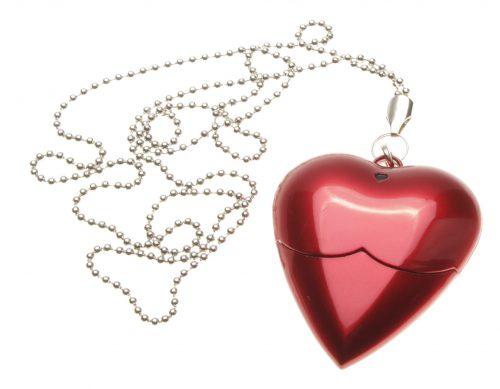 флешка в виде сердечка