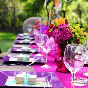 purple-fuschia-tablescape_blog140113
