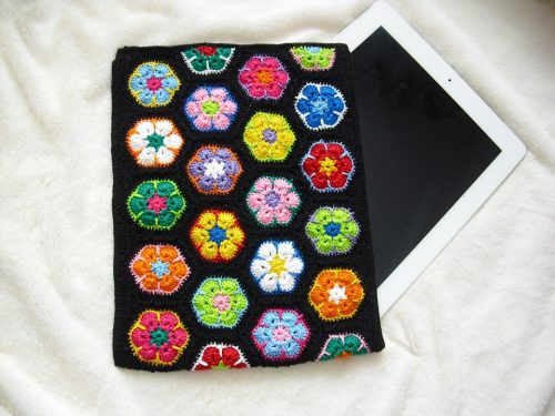 Вязаная сумка для планшета
