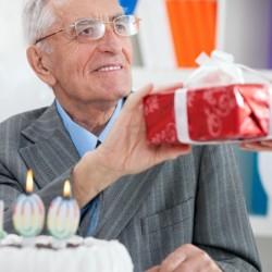Лучшие идеи для подарка дедушке на 70-79 лет