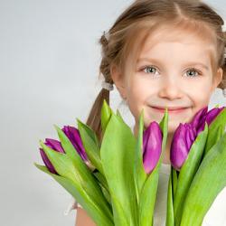 Топ 25 подарков девочке на 8 марта