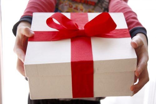 Что подарить крестнику на день рождения
