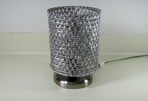 Светильник из пивных банок