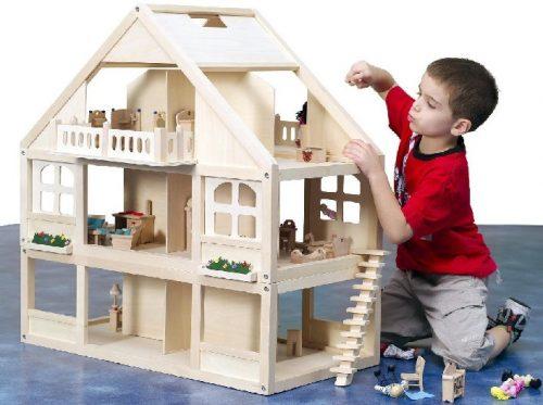 Пластмассовый игрушечный домик