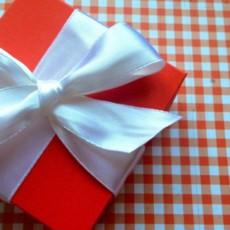 Что подарить маме на 14 февраля