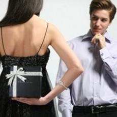 ТОП-10 самых полезных подарков для мужчин