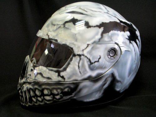 Шлем с интересным рисунком